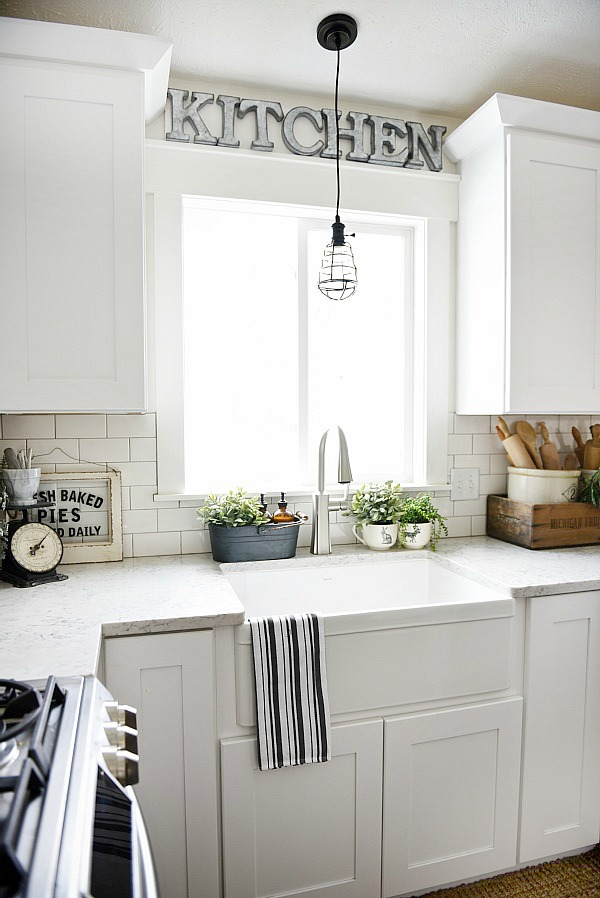 Apron sink farmhouse style