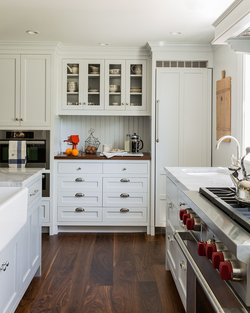 Colonial farmhouse kitchen
