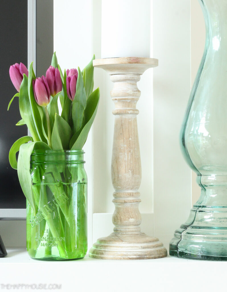spring decor tulips