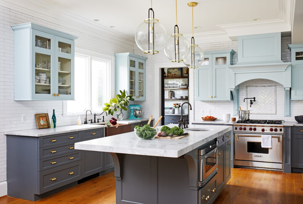 two shades of blue in the kitchen